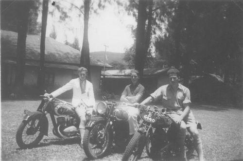 Meijer Cor 1916 1939 op de Motor in Indie