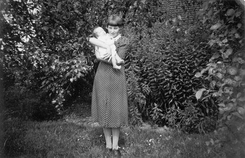 Meijer Elisabeth J 1923 1937 met Babyzus Coby