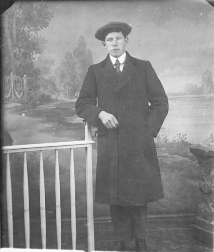 Meijer Jan J 1900 19__ Portret 03 bij de Fotograaf
