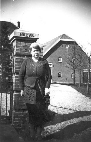 Meijer Maria M 1902 19__ voor Dampaal Hoeve Henricus