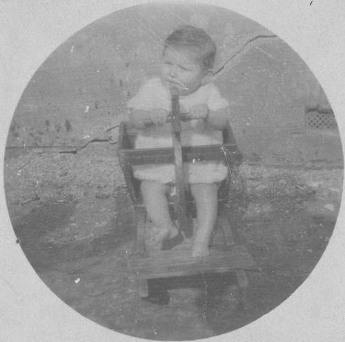 <b>ZOEKPLAATJE:</b>Meijer Onbekend 19__ Baby in Schommelstoel 941