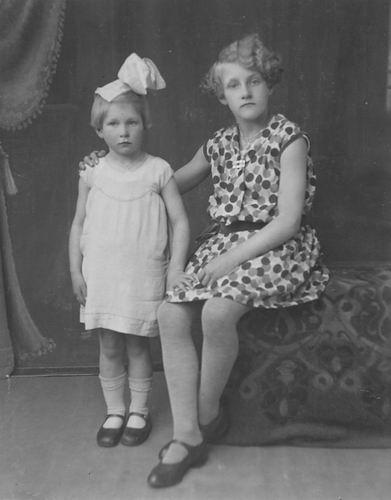 Mienis Wil 1915 19__ met Zussie Janne