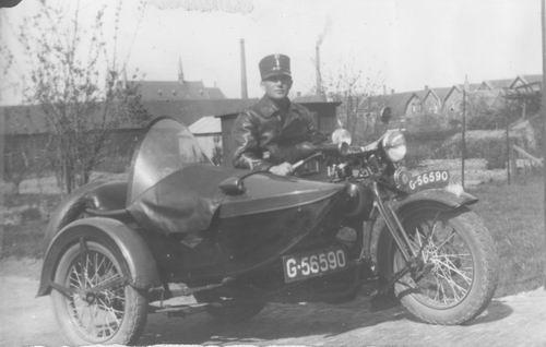 Miggelbrink A J S 194_ Marechaussee met Motor 02
