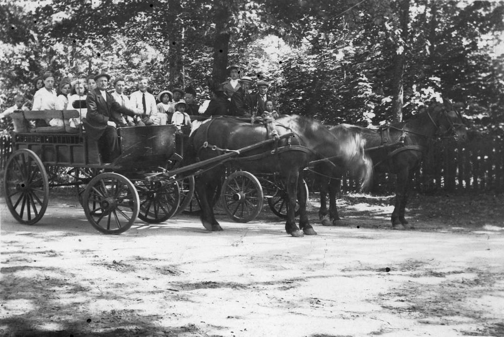 <b>ZOEKPLAATJE:</b>Mulder Albert J 1913 19__ Onbekend 47 Kinderen op Paard en wagen