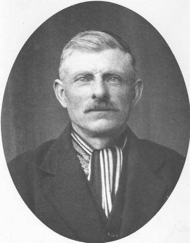 <b>ZOEKPLAATJE:</b>Mulder Albert J 1913 19__ Onbekend 51 Portret Man