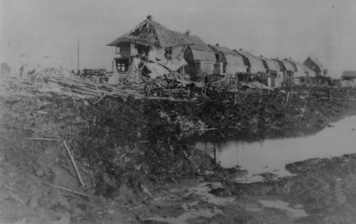 Nieuwemeerdijk 0252 1943 Woningen na Bombardement 01