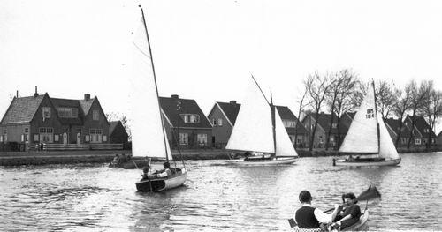 <b>ZOEKPLAATJE:</b>Nieuwemeerdijk Onbekend 1939 met huize Jansje