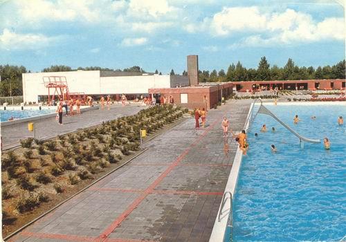 Nieuweweg O 0001 1974 Zwembad kleur
