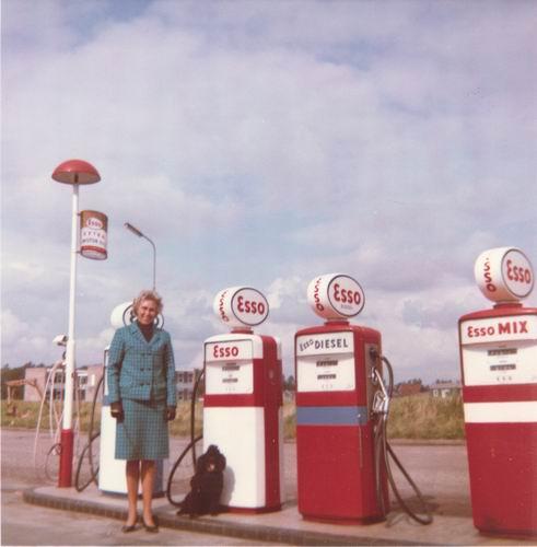 Nijverheidsstraat 1962± Benzinepompen Gebr v Tienderen