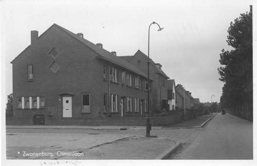 Olmenlaan 0046-58 1944 met oa Hotel Tivoli