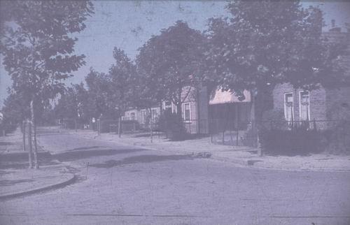 Draverslaan O 0027 1949-50 met Rijwielhandel Rijke