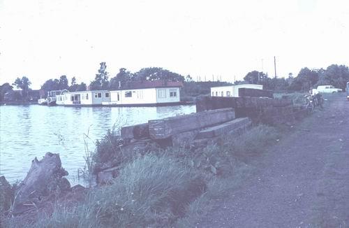 <b>ZOEKPLAATJE:</b>Onbekend Water met Woonboten 1978-80