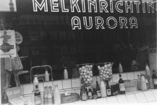 Amsterdam 3e Oosterpark 1950 Melkinrichting Aurora 01