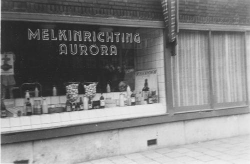 Amsterdam 3e Oosterpark 1950 Melkinrichting Aurora 02