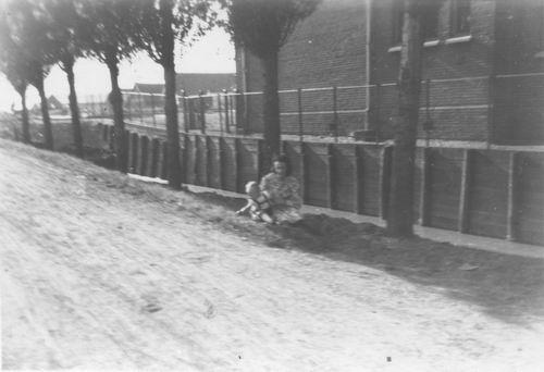 <b>ZOEKPLAATJE:</b>&nbsp;Onbekend Aalsmeer 1950 van Boekenmarkt 06