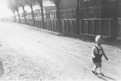 <b>ZOEKPLAATJE:</b>&nbsp;Onbekend Aalsmeer 1950 van Boekenmarkt 07