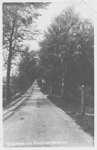 <b>ZOEKPLAATJE:</b>Aalsmeerderdijk 0001 1937 met Werkspoortje naar Onbekend