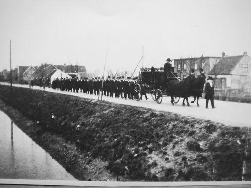 Venneperweg N 0513-545 1920 met Begravenisstoet