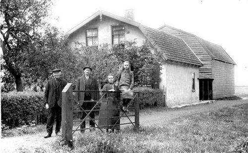 Aalsmeerderdijk 0050 192_ Boerderij met Thomas Borst en Klaasje Bos