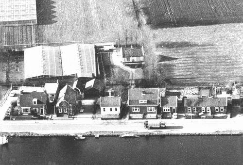 Aalsmeerderdijk 0435-424 Dijkhuizen uit de lucht