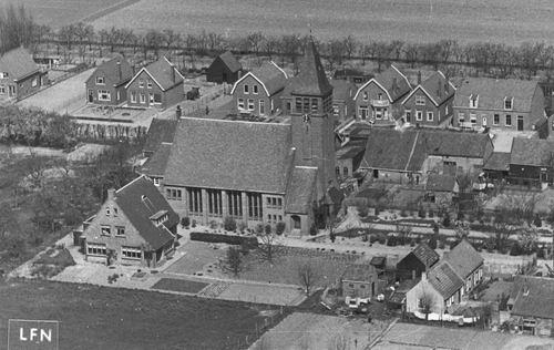 <b>ZOEKPLAATJE:</b>&nbsp;Onbekend Gereformeerde Kerk buiten Hmeer