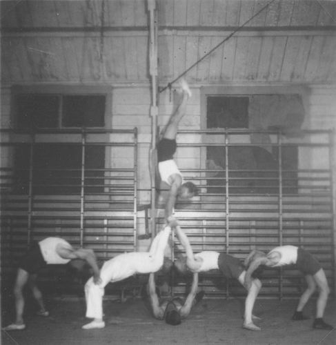 Gymnastiek Vereniging Vijfhuizen 19__ uit Fotoalbum Piet Klaassen 02