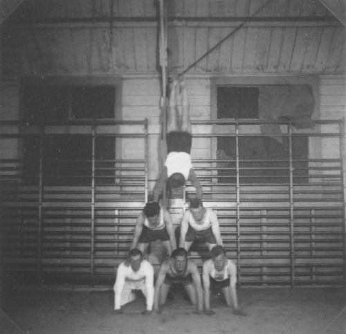 Gymnastiek Vereniging Vijfhuizen 19__ uit Fotoalbum Piet Klaassen 04