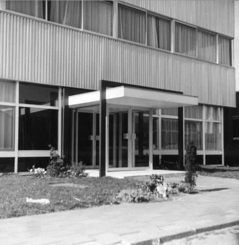Weerenweg 19__ Bedrijfsgebouw Bristol door Architect AJ de Koning