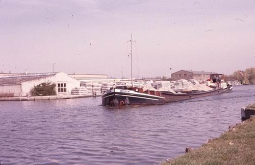 Hillegommerdijk 035_ Overzijde 1978-80 Betonfabriek de Ringvaart