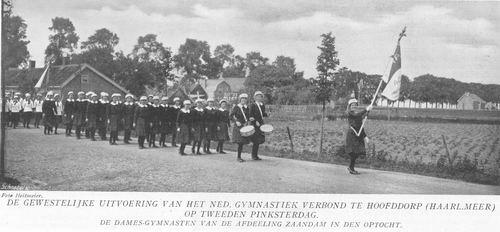 <b>ZOEKPLAATJE:</b>&nbsp;Onbekend Hoofddorp 1914 Optocht Gymvereniging