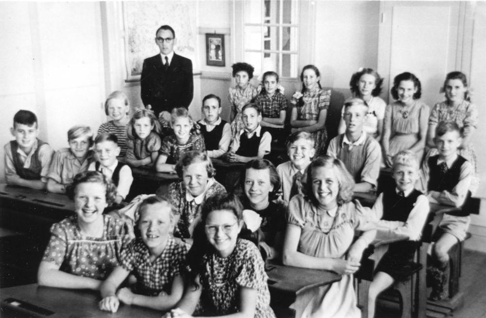 Christelijke School Vijfhuizen 1950-51 Klas 5 en 6 met Mr v Strien_Index