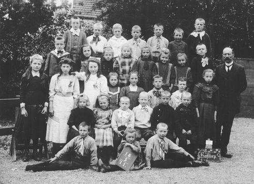 <b>ZOEKPLAATJE:</b>Onbekend Klassefoto School Hoofddorp 1911 Welke 03