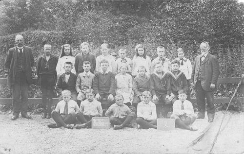 <b>ZOEKPLAATJE:</b>Onbekend Klassefoto School Hoofddorp 1916 Welke MULO groep 2