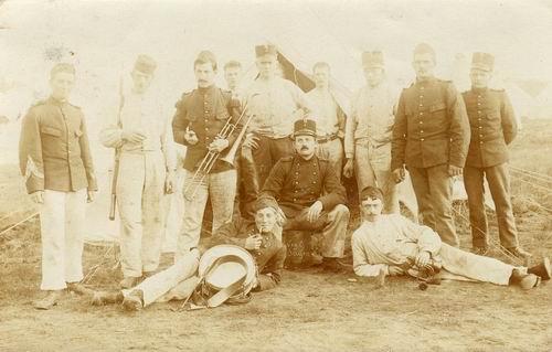 <b>ZOEKPLAATJE:</b>Onbekend Militairen Koeckhoven Soldaten 1909 Re-exp