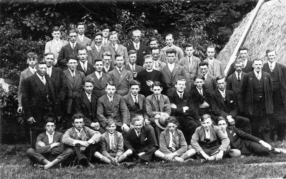 <b>ZOEKPLAATJE:</b>Onbekend Mannen RK Halfweg-Zwanenburg 1930 0026