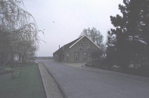 Rijnlanderweg O 0820 19__ Boerderij fam J J Tensen