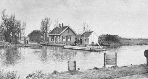 Lisserdijk 009_ Overzijde 19__  Sassemer Pont met Huisje