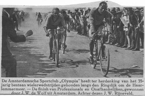 <b>ZOEKPLAATJE:</b>&nbsp;Onbekend Ringdijk 1933 Wielerwedstr door Sportclub Olympia