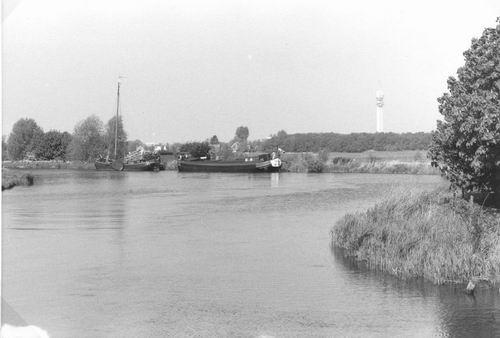 <b>ZOEKPLAATJE:</b>&nbsp;Onbekend Ringdijk 1998 009 bij de Liede
