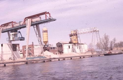 Lisserdijk 046_ Overzijde 1978-79 Zandhandel Jonker 01
