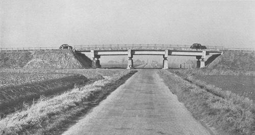 Vijfhuizerweg 195_ Viaduct Rijksweg over Polderweg
