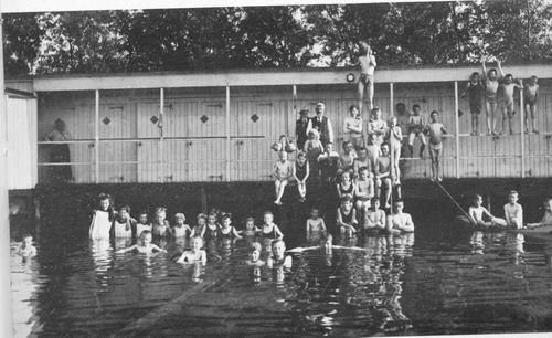 Aalsmeer Zwembad VIBA bij Watertoren 01