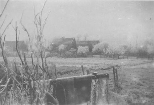 <b>ZOEKPLAATJE:</b>Onbekend Vijfhuizerdijk 194_ achterzijde vanaf tuin Klaassen