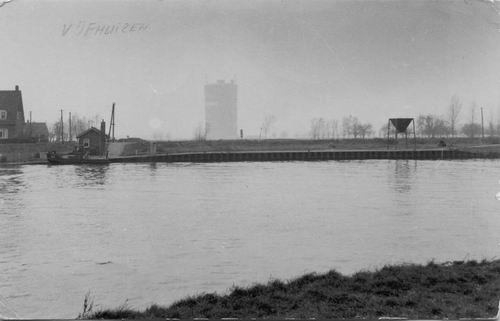 <b>ZOEKPLAATJE:</b>&nbsp;Onbekend Vijfhuizerdijk Overzijde Pontje 1954