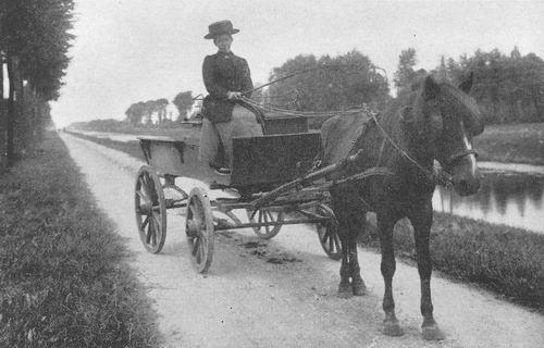<b>ZOEKPLAATJE:</b>Onbekend Vrouw op Paard en wagen langs Hoofdvaart