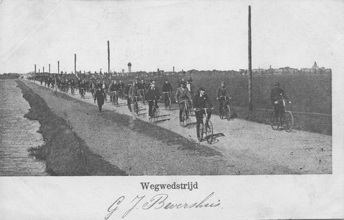 <b>ZOEKPLAATJE:</b>Onbekend Wielerwedstrijd 1902