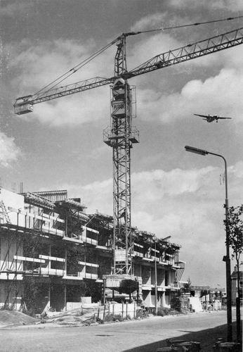 Marconistraat 1969 Marconiflat westzijde in Aanbouw