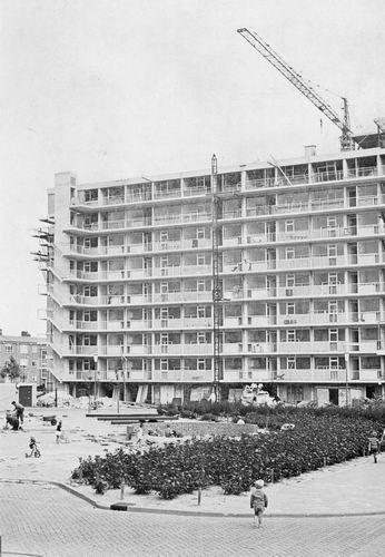 Einsteinlaan 1966 kruising Marconistraat Flat 9 hoog