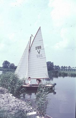 <b>ZOEKPLAATJE:</b>&nbsp;Onbekend Zeilboot in Ringvaart 1978-79