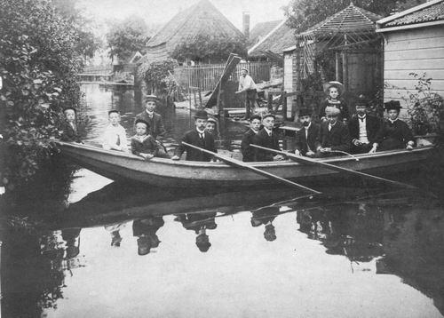 Aalsmeer Familie Schoolhoofd Roosjen in Boot